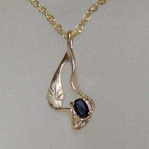 Whitaker's Black Hills Gold Modern Pendant with Dark Blue Ceylon Sapphire