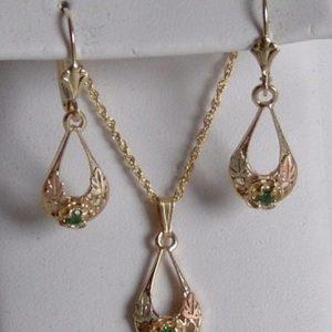 Whitaker's Black Hills Gold Oval Drop Rose Pendant & Earring Set with Tsavorite Garnet