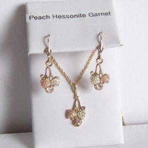 Whitaker's Black Hills Gold Small Traditional Pendant & Earring Set Peach Hessonite Garnet