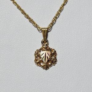 Whitaker's Black Hills Gold Mini Snowflake Pendant