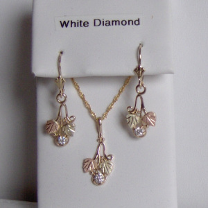 Whitaker's Black Hills Gold Small Traditional Pendant & Earring Set with White Diamonds