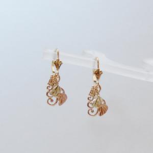 Whitaker's Black Hills Gold 2 Leaves & Tendrils Earrings